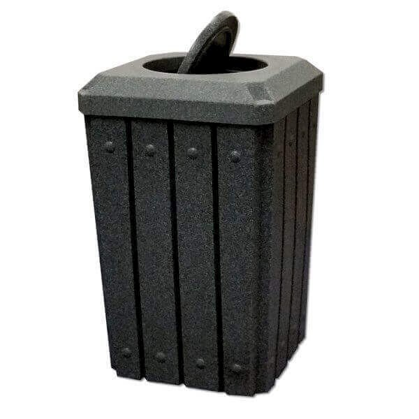 32 Gallon Plastic Receptacle with Bug Barrier Lid and Liner