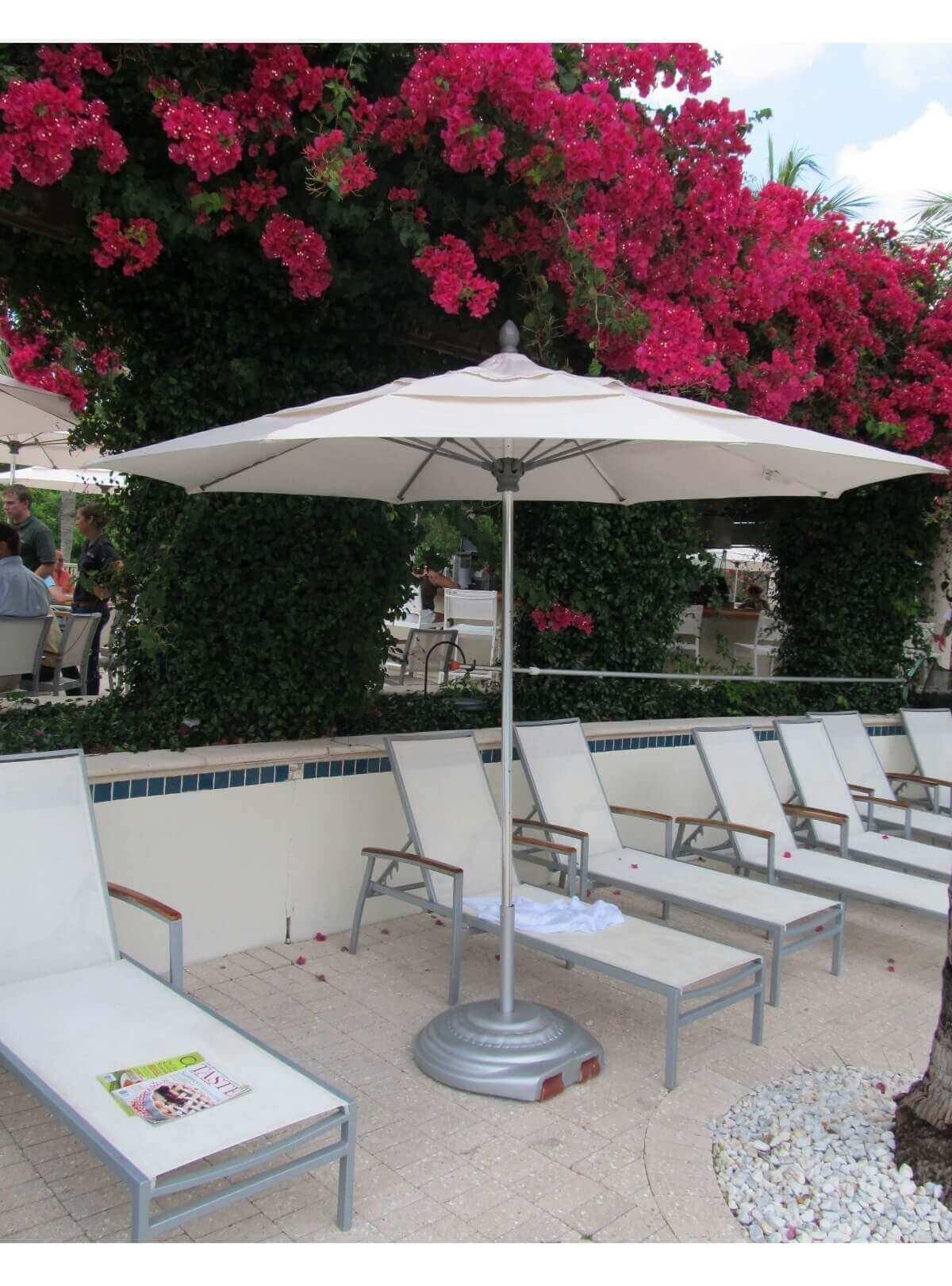 8 Ft Lucaya Octagonal Fiberglass Ribbed Market Umbrella With e