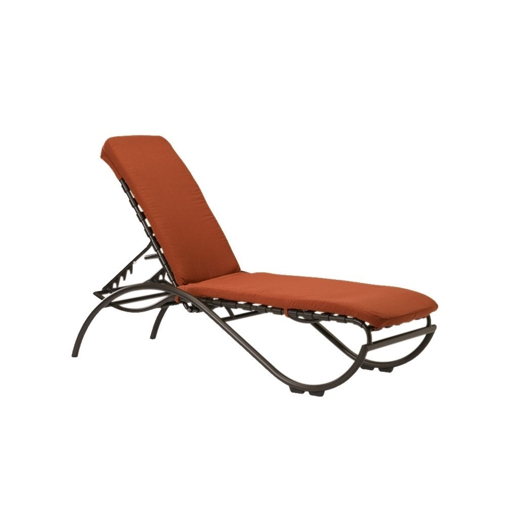 La scala crossweave strap chaise lounge with aluminum for Aluminum frame chaise lounge