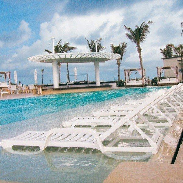 Bahia Plastic Resin Commercial Grade Pool Chaise Lounge ...